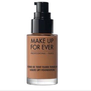 Makeup Forever liquid lift foundation caramel